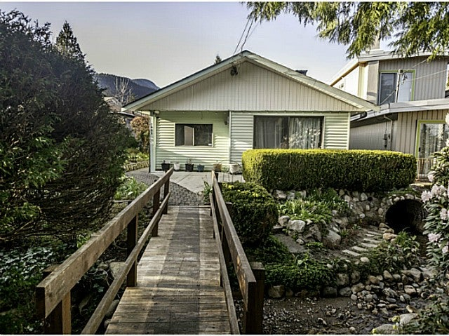 1488 LYNN VALLEY RD - Lynn Valley House/Single Family for sale, 3 Bedrooms (V1115044) #1